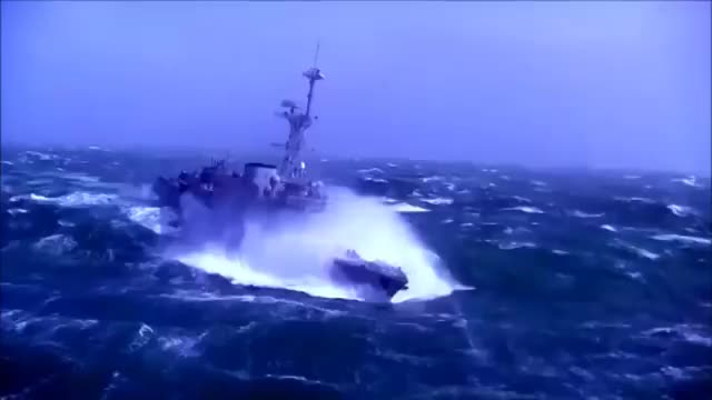 D646 Latouche-Trville Navy ship in Storm